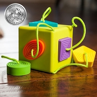 OombeeCube by Fat Brain Toys